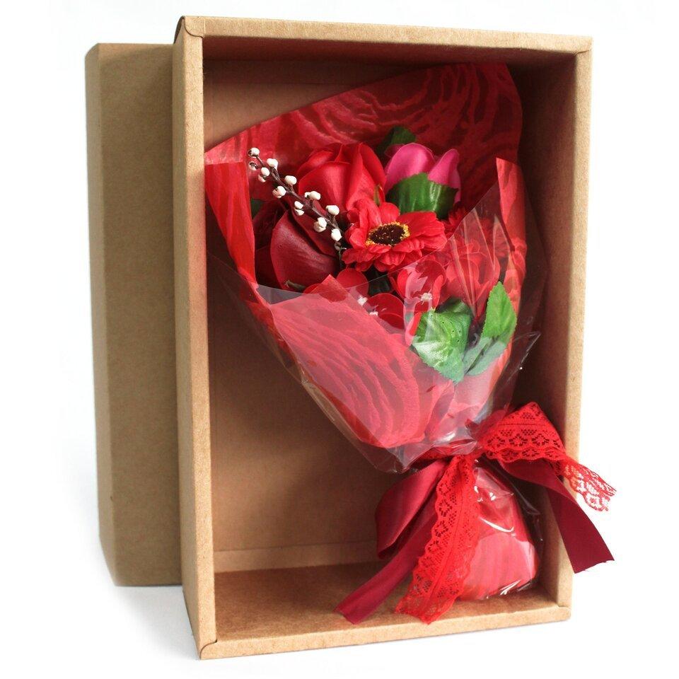 Raudona muilo gėlių puokštė dėžutėje