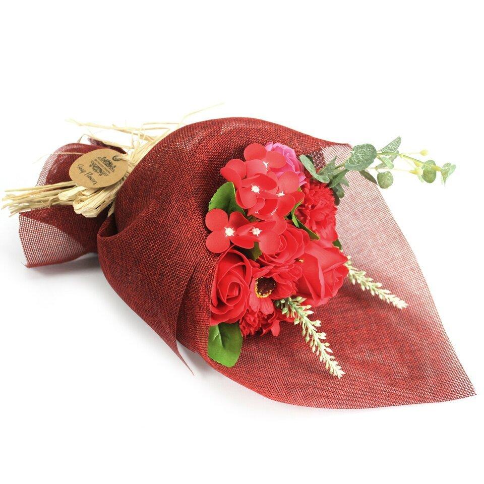 Raudona muilo gėlių puokšė